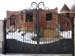 Ворота в Алматы (для примера №3)