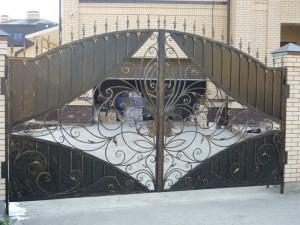 Ворота в Алматы (для примера №4)
